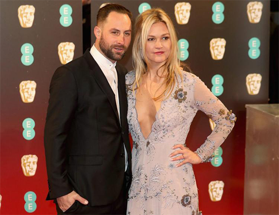 Julia Stiles Ties the Knot
