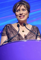 Kate Silverton wearing the Rosa Kleid (Vintage Blush)