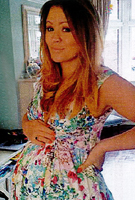 Kimberley Walsh wearing the Abendkleid Anastasia lang (Mohnblume)