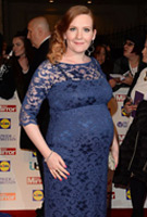 Jennie McAlpine wearing the Kleid Amelia lang (Windsor Blue)