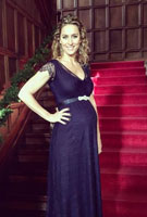 Amy Williams MBE wearing the Abenkleid Kristin Lang (Indigo Blue)