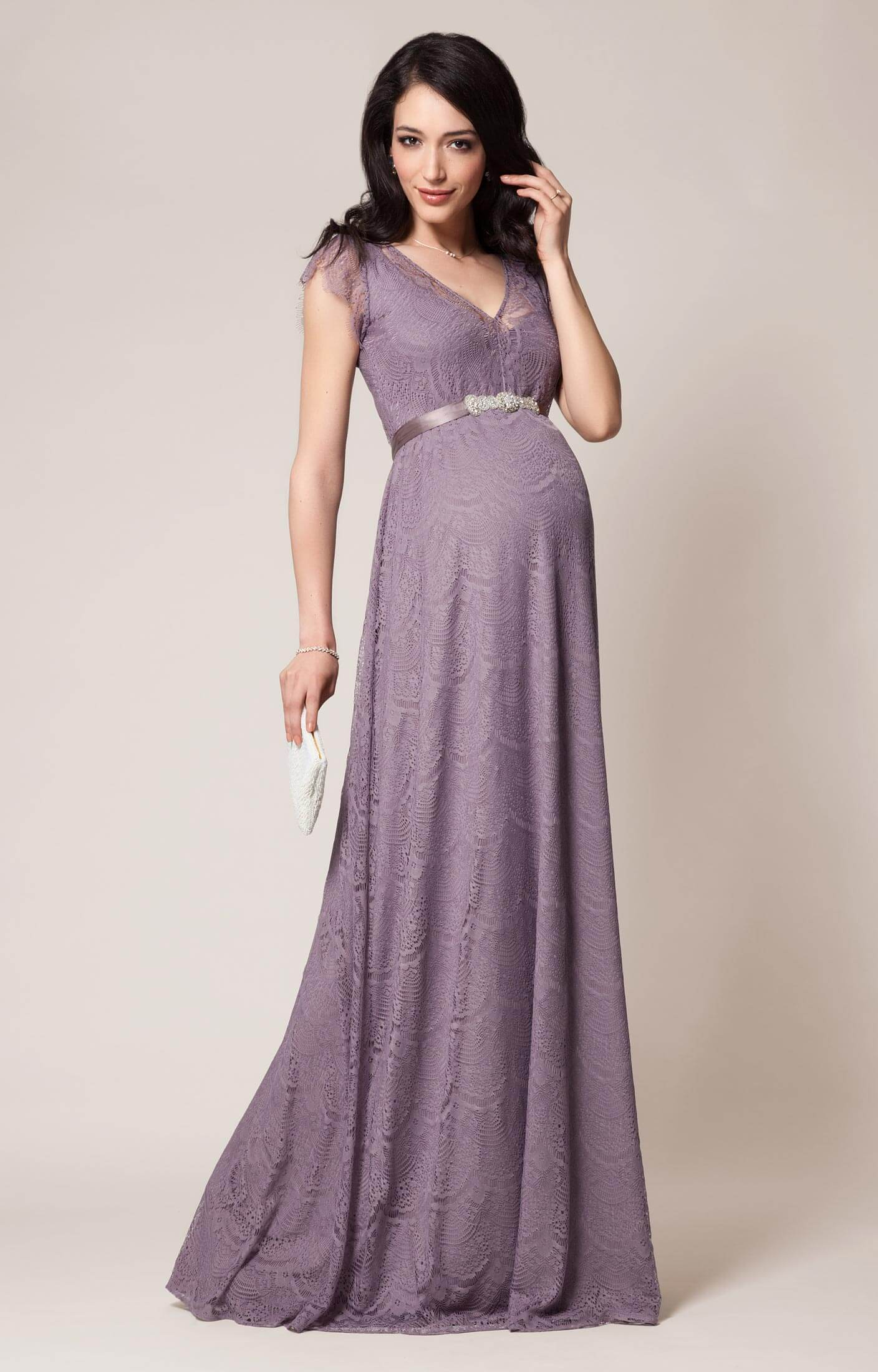 Dresses made of stretch cotton lace, jersey, and stretch crepe are more breathable and a comfortable maternity bridesmaid dress option; and styles with elastic, adjustable, or no waist require.